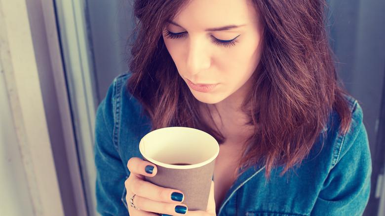 Entras en modo de lucha o huida Lo que realmente le sucede a tu cuerpo cuando bebes café